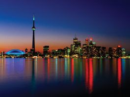 15 Tourist Attractions in Toronto, Canada