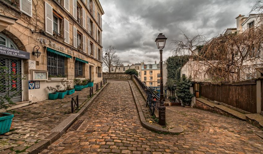 Discover the Montmartre District