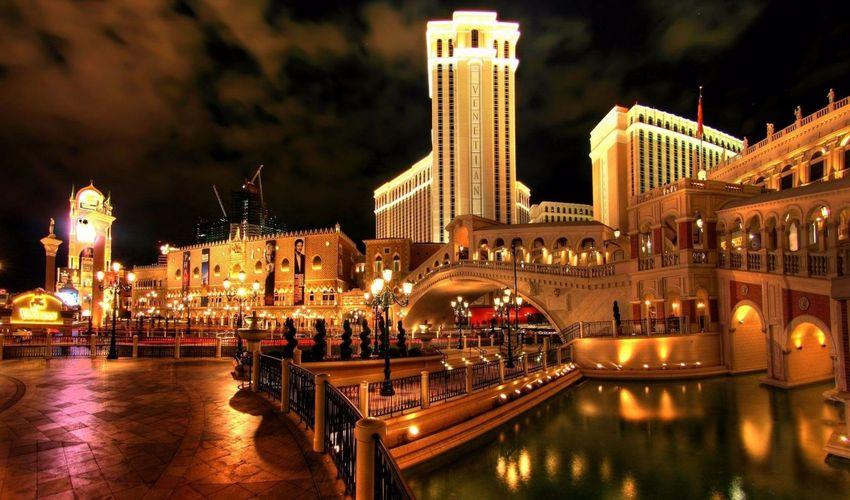 Venetian Hotel & Resort