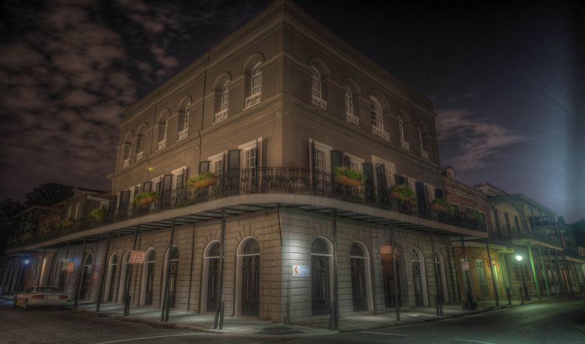 Go On A Ghost Tour